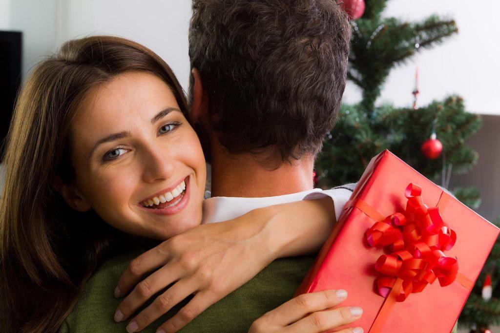 Что подарить девушке или жене после ссоры