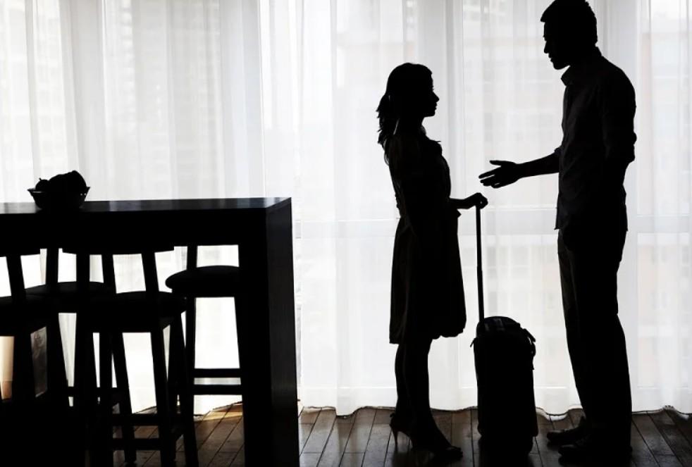 Жена уходит из семьи и оставляет детей мужу