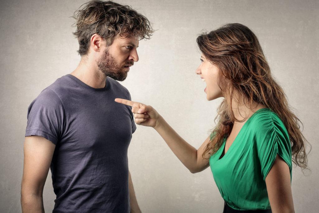 Женщина раздражена - как разрешить конфликт