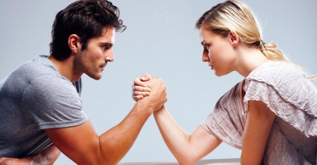 Девушка стремиться быть главной в отношениях