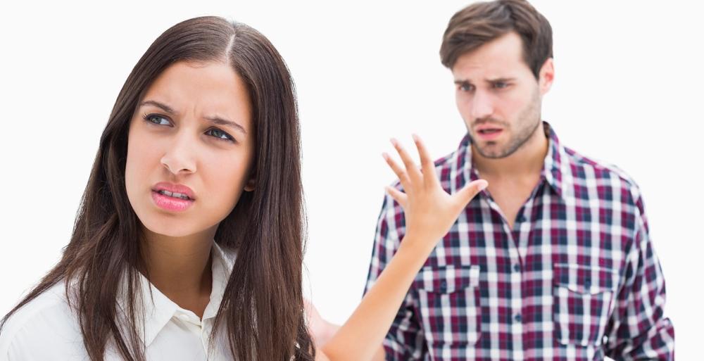 Девушка отвергает парня