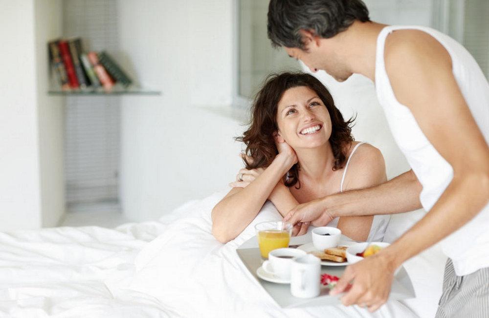 муж заботиться о жене